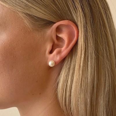 Laney Pearl Earring