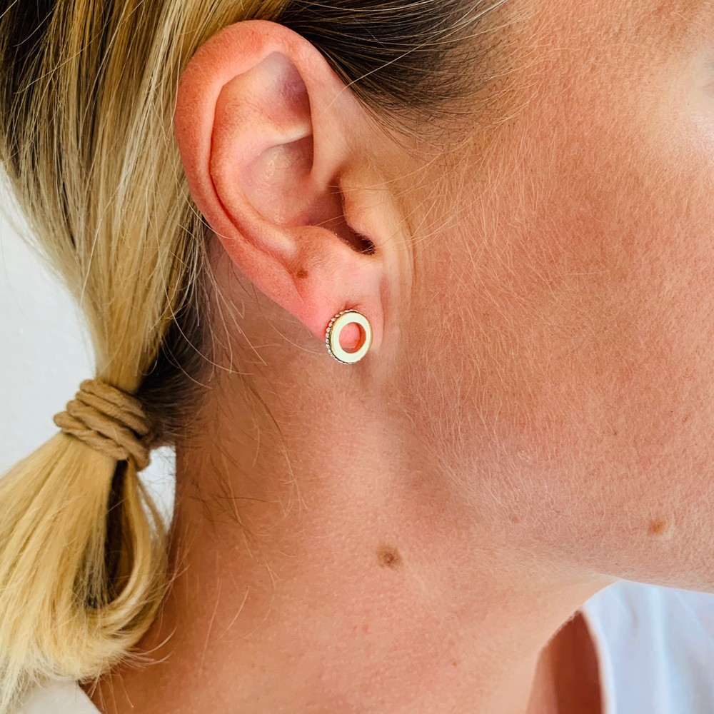 Mari Mini Round Earring