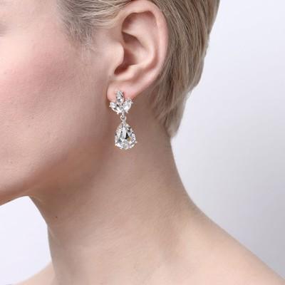 Noemi Drop Earring