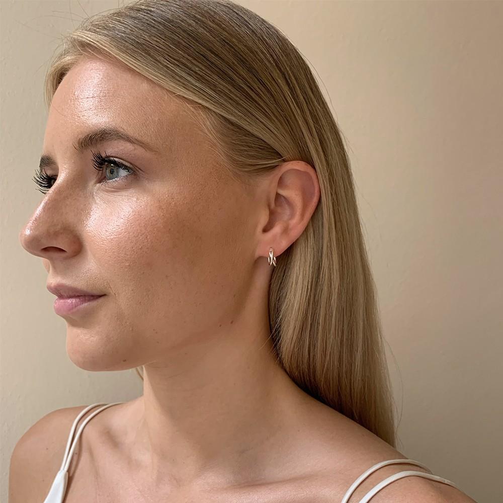 Elma Small Oval Earring