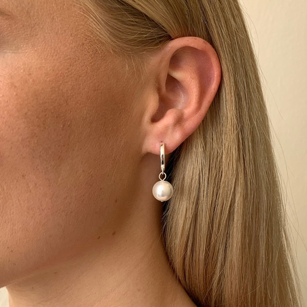 Midnight Pearl Small Ring Earring