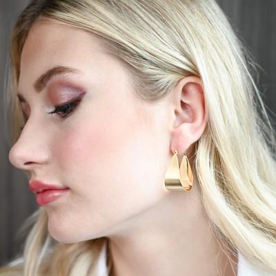 Shy Small Drop Oval Earring