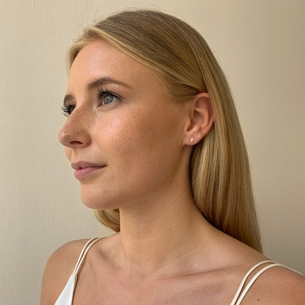 Lou Small Stone Earring